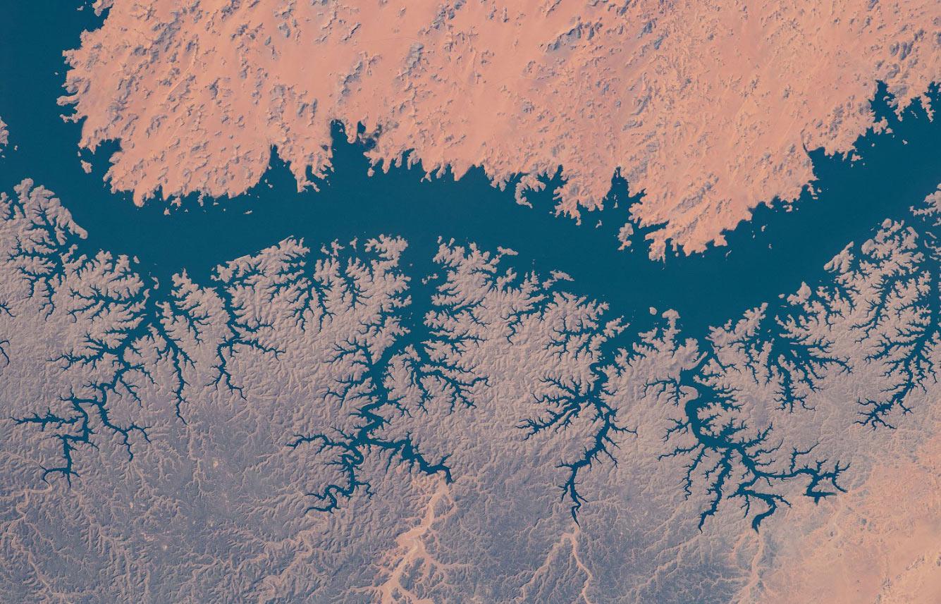 Озеро Насер