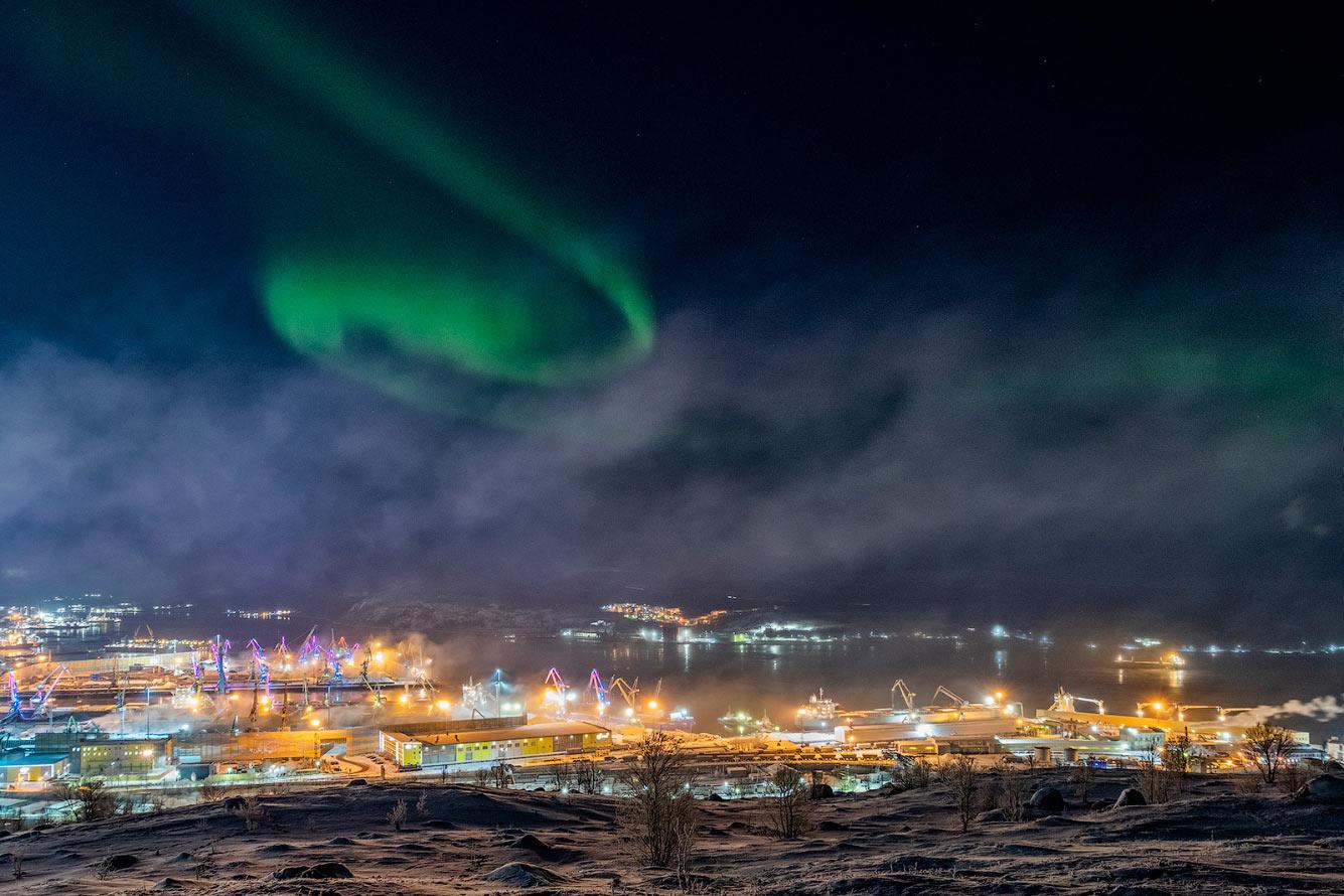 Северное сияние в Мурманске, Россия