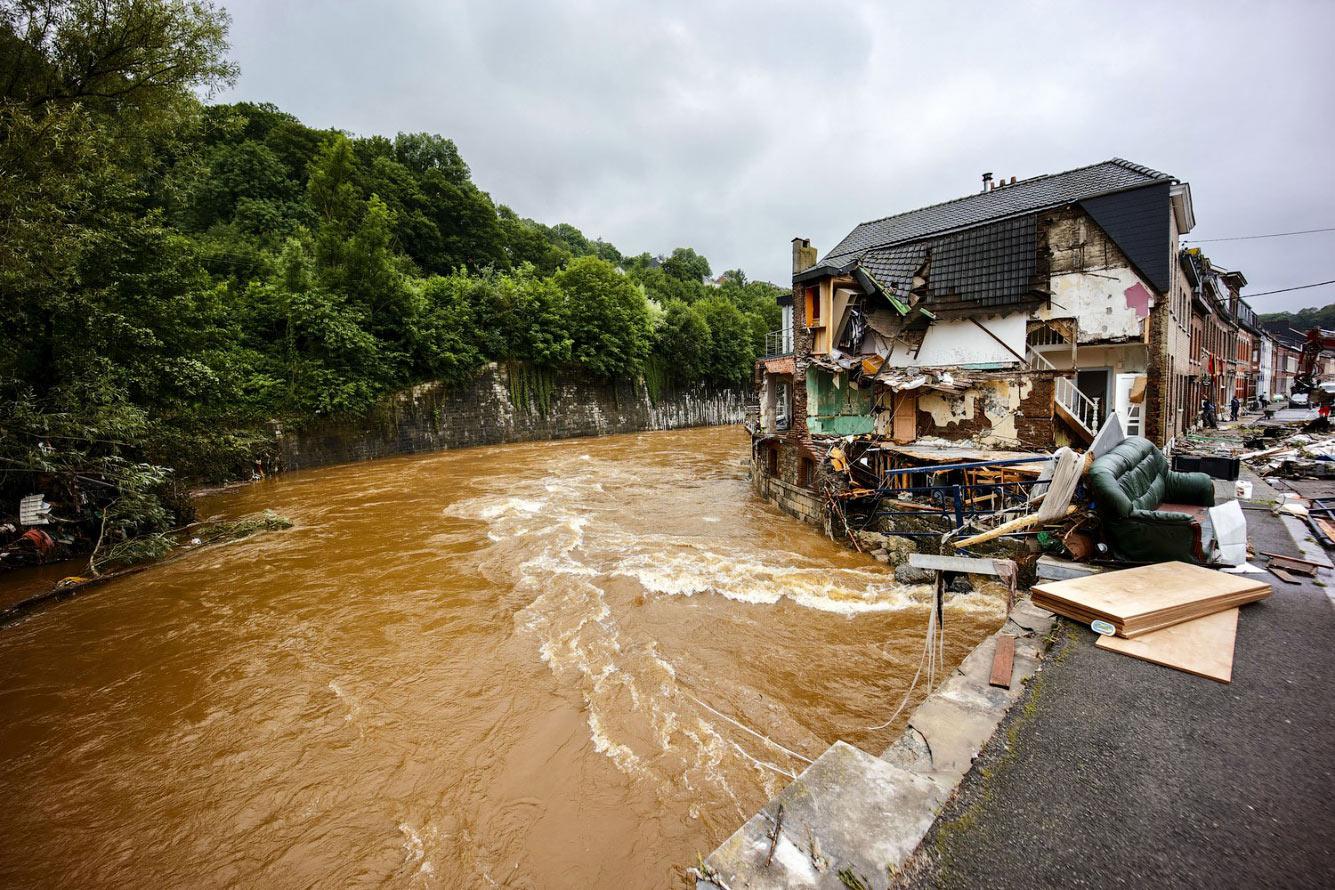 Затопленные дома в Энсивале, Бельгия