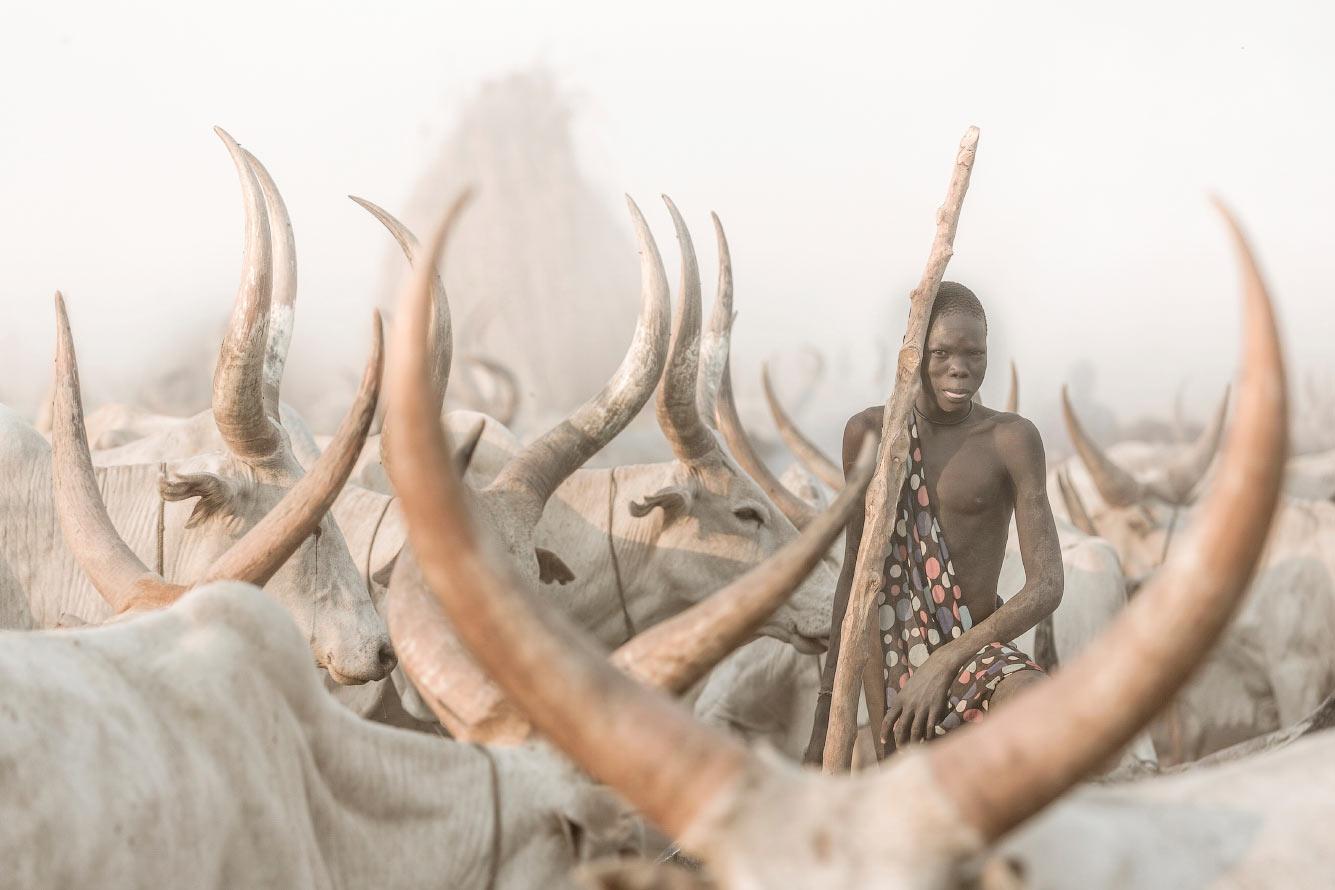 Погонщик скота из племени мундари в Южном Судане
