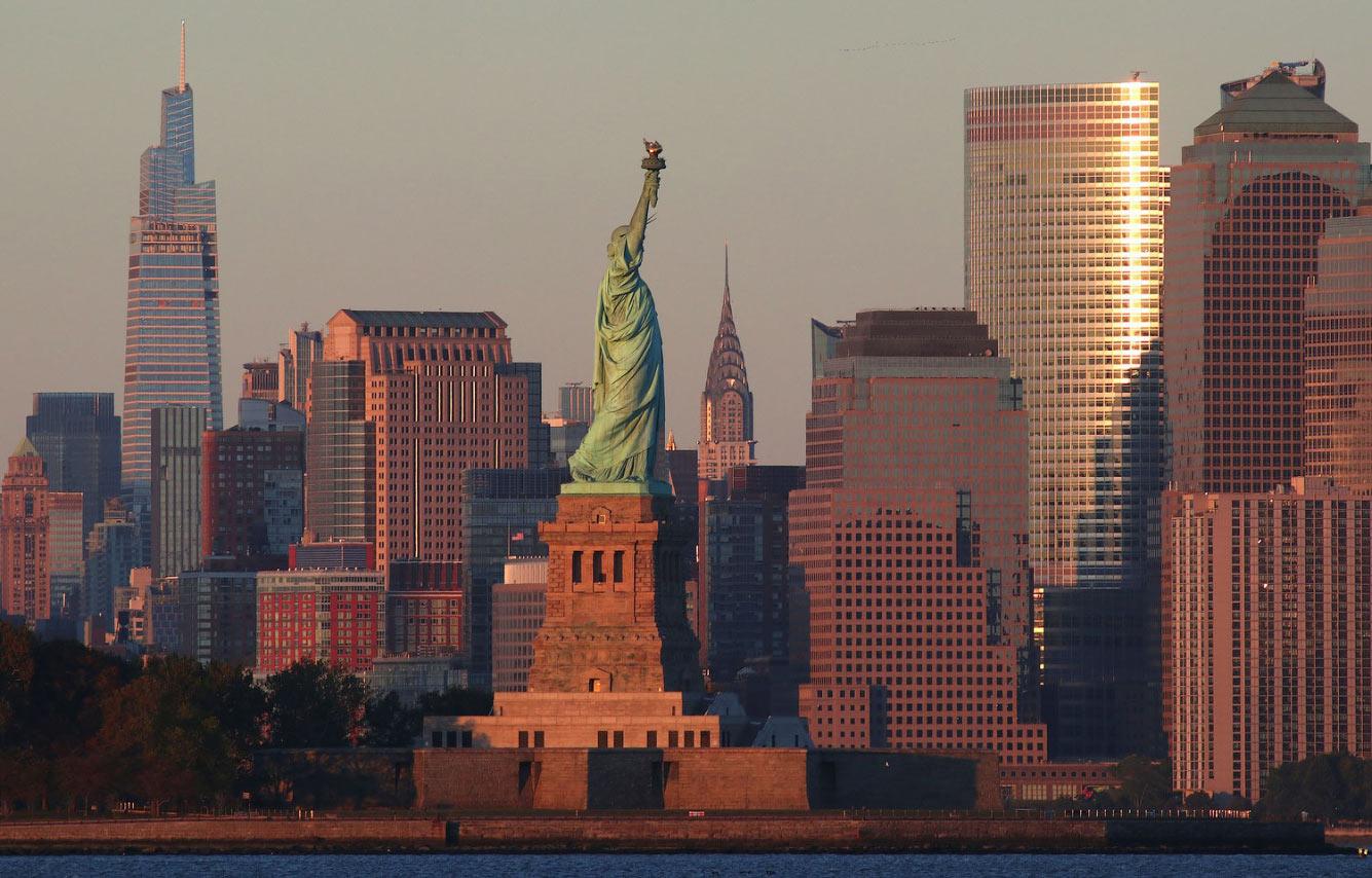Солнце садится над Манхэттеном