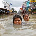 Сильнейшее за последние 100 лет наводнение в Таиланде