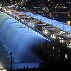 Лунная радуга - самый длинный в мире фонтан на мосту