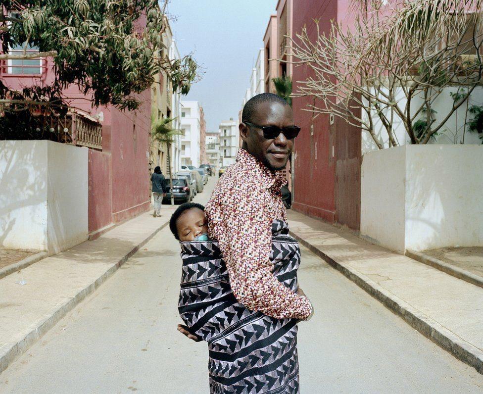 Отец с сыном в Сенегале