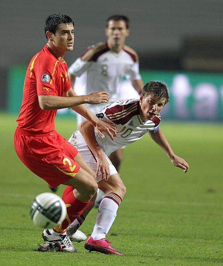 Сборная Македонии — сборная России, защитник Ванс Шиков и Андрей Аршавин
