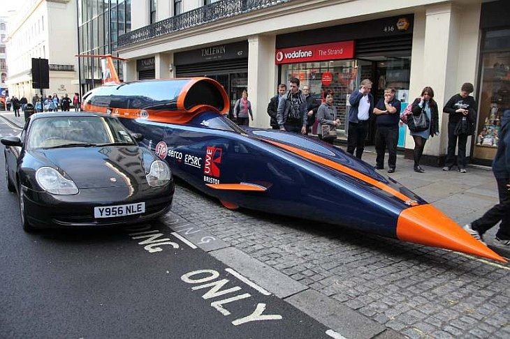 Сверхзвуковой машины Bloodhound в Лондоне