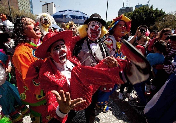 Около 800 клоунов из самых разных уголков Земли собрались на свой 15-ый форум в столице Мексики