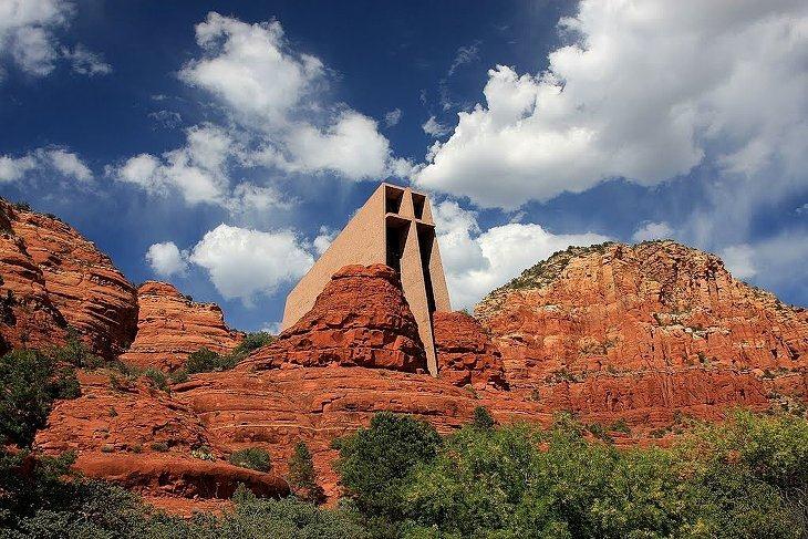 ЧАСОВНЯ в Скалах (штат Аризона, США)