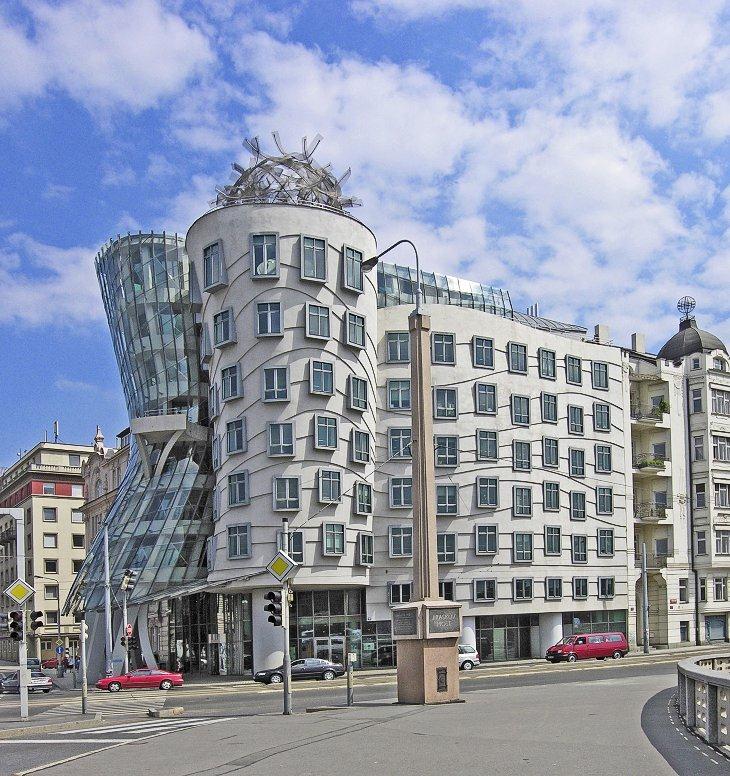 DANCING BUILDING (Прага, Чехия)