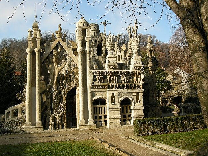 FERDINAND CHEVAL PALACE A.K.A IDEAL PALACE (ФРАНЦИЯ)