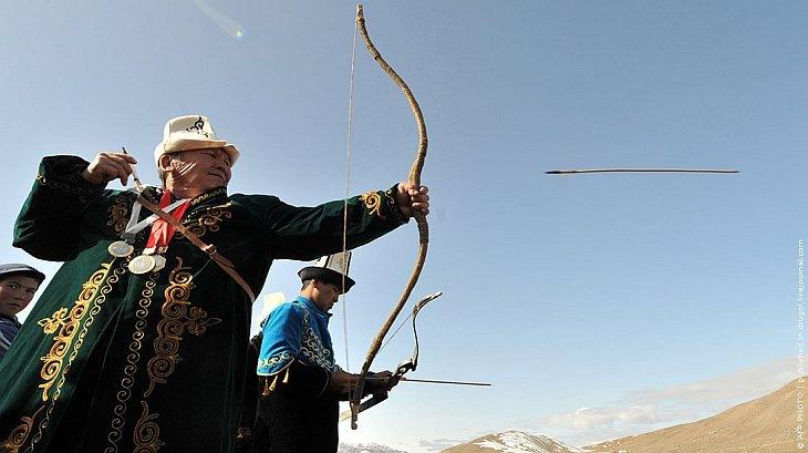 Ежегодный фестиваль охоты с беркутами — Салбурун