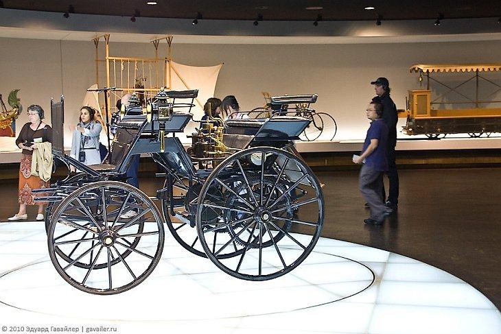 Музей Мерседеса в Штутгарте