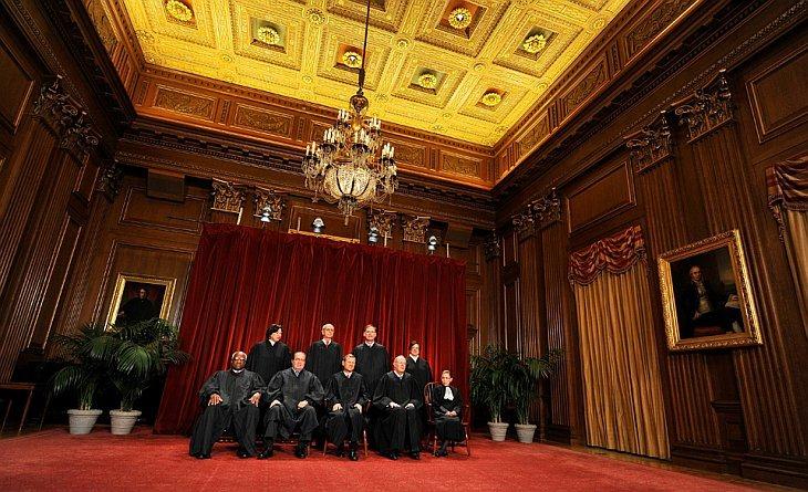 Судьи Верховного суда в Вашингтоне