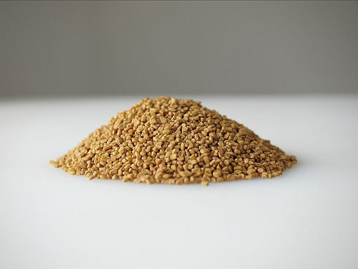 Семена греческого пажитника из Индии