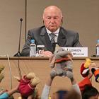 Медведев отправил в отставку мэра Москвы Юрия Лужкова