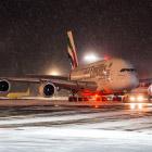 Как обслуживают самый большой самолёт