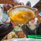 Неизвестные Гималаи: в поисках охотников за медом диких пчёл