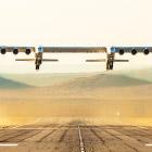 Крупнейший в мире самолет Stratolaunch полетел