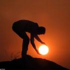 Как поймать руками солнце